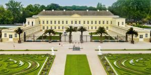 Schloss-Herrenhausen_panorama[1]
